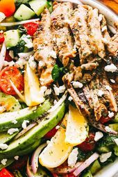 Packed with protein, veggies & a flavorful Dijon Balsamic Dressing, this Steak Salad is healthy & incredibly delicious! A perfect keto lunch or dinner idea! Protein Salat, Steak Salat, Keto Lunch Ideas, Large Salad Bowl, Juicy Steak, Beef Recipes, Beef Meals, Recipies, Healthy Salad Recipes