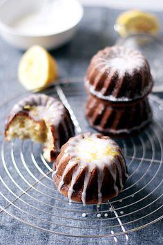 LEMON YOGHURT BUNDT CAKES... TOO GORGEOUS!