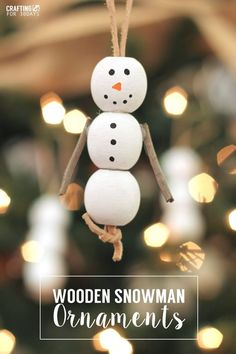 Wooden Snowman Ornaments - fun activity for Christmas with your kids! Add a little rustic holiday decor to your Christmas tree! http://www.thirtyhandmadedays.com