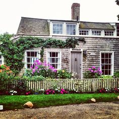 Classic #Nantucket digs. #sconset #cottage  Thought of you @Tammy Tarng Milani