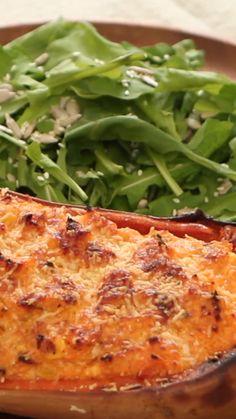En el capítulo de hoy Tefi nos enseña a cocinar una exquisita Calabaza Rellena: simple, sabrosa e ideal para compartir en familia o con amigos. ¿Se…