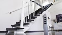 Svart trapp från drömtrappor