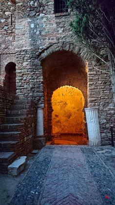 Puerta en Recodo de la Alcazaba de Málaga. A la salida Public, Seville, Rook, Scenery