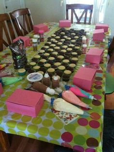 A grown up version of the party thing I did for Ruth's and birthdays. cupcake party - How much fun would this be! Cupcake Party, Birthday Cupcakes, Birthday Fun, Cupcake Decorating Party, Home Birthday Party Ideas, Diy Cupcake, Pyjamas Party, Fiestas Party, Party Fiesta