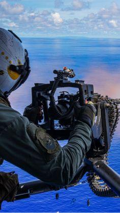 Navy Day, Us Navy, Marsoc Marines, Royal Navy Aircraft Carriers, Nice Wallpapers, Military Quotes, Iwo Jima, Navy Life, Navy Sailor