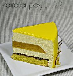 Entremets banane / coco / citron vert (pain de Gênes citron vert, croustillant chocolat, insert banane/passion, mousse coco/citron vert & glacage neutre coloré)