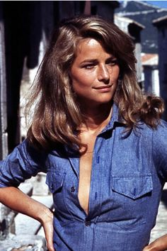 Laura Browns Favorite Things - Icon People - Ideas of Icon People - Charlotte Rampling Fitted denim shirt Charlotte Rampling, Looks Style, Looks Cool, Denim Fashion, Look Fashion, Fashion Outfits, Street Fashion, Fall Fashion, Fashion Design