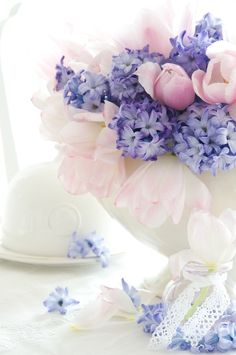 In today's post, we are presenting good morning msg. If you are searching for good morning msg you are welcome to our website. Deco Nature, Deco Floral, Flower Centerpieces, Spring Flowers, Spring Bouquet, Spring Colors, Beautiful Day, Hello Beautiful, Floral Arrangements