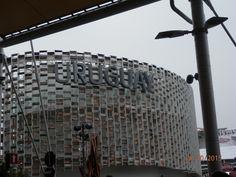 (foto di Purple) EXPO 2015, Milano, Italy struttura esterna del padiglione dell Uruguay.