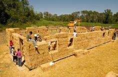 Houtskeletbouw met stro en leem