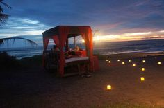 #Picnic in Bed || Aphrodisiac Picnic in Bed. As the sunset goes down behind the Indian Ocean, enter another world of Tugu, a dreamlike atmosphere filled with candlelight and magical sounds. RSVP : sales@tuguhotels.com // call : (+62) 361 4731 701