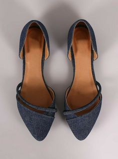 Qupid Denim Pointy Toe Dorsay Flat, love these shoes. Pretty Shoes, Beautiful Shoes, Crazy Shoes, Me Too Shoes, Daily Shoes, Mode Outfits, Fall Outfits, Fashion Shoes, Fashion Fashion