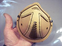 Instructions and pattern by Tom Banwell on how to make a steampunk leather respirator.