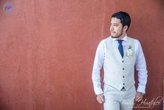 Wedding Expert Tips: Groom's Style, beach wedding suit. Bodas Huatulco #HuatulcoWeddings #beachweddingsuit #beachweddingmexico #bodaenplaya