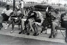 10 Things Garry Winogrand Can Teach You About Street Photography - Garry Winogrand, World's Fair, New York City, 1964 - Garry Winogrand, Lee Friedlander, Walker Evans, Robert Frank, National Gallery Of Art, Moma, Bad Boy Style, Barcelona, Art History