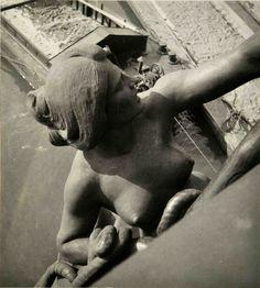 Dora Maar, Statue de femme, ca1935.