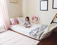Montessori Floor bed-Toddler bed/ Big kid room ideas / Kids decor / Kids room/ Gold and Pink/ kids room inspiration- floor-bed-riddler-room www.ohhappyplay.com #GoldBedding