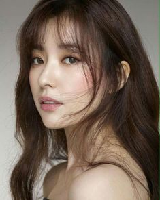 These Are The 55 Most Beautiful Asian Women, According To Industry Professionals Han Hyo Joo (South Korea)Han hyo joo for Jessica Hong kong Hyo Joo: South Korean film and tv actress Find images and videos about han hyo joo on We Heart It - th Wispy Bangs, Long Hair With Bangs, Korean Beauty, Asian Beauty, Japanese Beauty, Mode Glamour, Asian Makeup, Beautiful Asian Women, Pretty Asian Girl