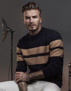 David Beckham & Kevin Hart H&M Modern Essentials Automne 2015 Style David Beckham, Moda David Beckham, David Beckham News, David Beckham Fashion, Kevin Hart, Top Hairstyles For Men, Fashion Hairstyles, Undercut Hairstyles, Bend It Like Beckham