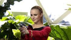 Kristen Bell in Retro Star Trek (updated) by gazomg on DeviantArt Star Trek Rpg, Star Wars, Star Trek Cosplay, Star Trek Characters, Star Trek Series, Lauren Graham, Celebrity Stars, Kristen Bell, Cosplay Girls