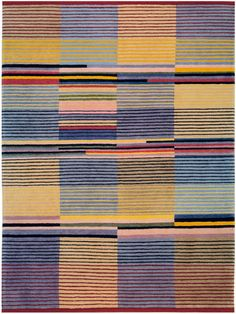 Gunta Stölzl – was a German textile artist who played a fundamental role in the development of the Bauhaus school's weaving workshop. As the Bauhaus's only female master she created enormous change within the weaving department as it transitio… Art Bauhaus, Bauhaus Textiles, Motifs Textiles, Bauhaus Design, Textile Patterns, 3d Foto, Tapis Design, Art Walk, Design Poster