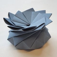 Origami Quasi Crystalline Tato Gift Box - Blue Origami Gift Box, Origami Wedding, Christmas Origami, Little Boxes, Wedding Favours, Gift Boxes, Small Gifts, Wedding Anniversary, Paper
