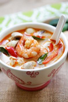Easy Delicious Recipes Thai Coconut Chicken & Shrimp Soup - Rasa Malaysia - Thai Coconut Chicken and Shrimp Soup – the best soup you'll ever make in your kitchen. Thai Recipes, Shrimp Recipes, Asian Recipes, Cooking Recipes, Thai Coconut Chicken, Thai Coconut Soup, Coconut Shrimp, Shrimp Soup, Chicken And Shrimp