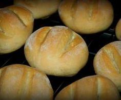 Drożdżówki z truskawkami i lukrem jest to przepis stworzony przez użytkownika AgaSawa. Ten przepis na Thermomix<sup>®</sup> znajdziesz w kategorii Słodkie wypieki na www.przepisownia.pl, społeczności Thermomix<sup>®</sup>. Hamburger, Bread, Thumbnail Image, Food, Nails, Thermomix, Finger Nails, Ongles, Brot