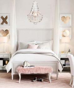 déco chambre fille ado chic en blanc, rose pastel et or