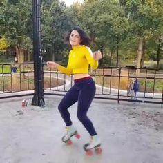 Disco Roller Skating, Ice Skating, Figure Skating, Quad Squad, Quad Skates, Cute Water Bottles, Skateboard, Ballet, Exercise