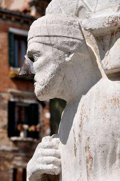 L'Orto dei Mori - Sior Rioba www.osteriaortodeimori.com/ Venice Restaurants, Invisible Cities, Marco Polo, Central Asia, Daily Photo, Masquerade, Lost, Statue, Image