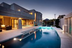 Floreat House contemporary-pool