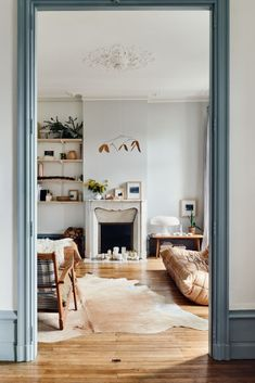 The Kinfolk Home: Interiors for Slow Living. / sfgirlbybay The Kinfolk Home: Interiors for Slow Living. Home Interior, Interior And Exterior, Interior Doors, Interior Livingroom, Gray Interior, Interior Paint, Interior Decorating, Living Room Decor, Living Spaces