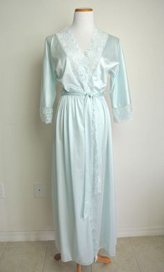 VTG * MAIDENFORM * SM | Victorian Lace ROBE Peignoir negligee Sissy Union Made #Maidenform