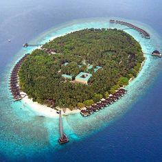 Dusit Thani #Maldives Photo @lala_traveltheworld @dusitthanimv #dronephotography #dronephoto #mydrone #drone #mavicpro #aerialviews #island #ocean #maldivesresort #amazing #dusitthanimaldives #vacation #honeymoon #aerialviews #paradise #islands #theview