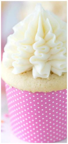 Moist Vanilla Cupcake Recipe ~ A simple vanilla cupcake for any occasion. So moist, fluffy, and delicious you'll make them every week! Butter Cupcake Recipe, Butter Cupcakes, Easy Cupcake Recipes, Dessert Recipes, Desserts, Moist Vanilla Cupcakes, Vanilla Cake, How To Make Cupcakes, Making Cupcakes
