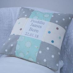 Spotty Occasion Cushion Mint, baby shower gift, new born baby Cushion Ideas, Pillow Patterns, Little Boys, Baby Shower Gifts, Sewing Projects, Baby Boy, Crafting, Cushions, Mint