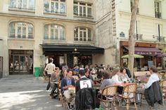Notre QG depuis une eternité. L'été la terrasse immense est bondée mais ça vaut le coup, de la Grolshe à la Chouffe pour se chauffer, ou se réchauffer passé l'automne, il y en a pour tous les goûts et surtout tous les budgets, puisque la pinte est à 4€ toute la nuit!! Si tu trouves moins cher et aussi bien situé ça m'étonnerait brise-miche!  Les Fontaines à Paris, Île-de-France