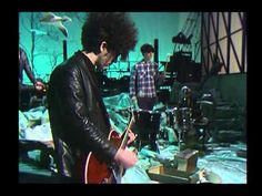 ***The Jesus And Mary Chain - Never Understand (Belgian TV 1985) - YouTube