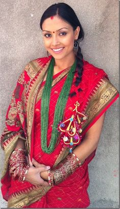 девушка Непал традиционный костюм / Nepali traditional attire