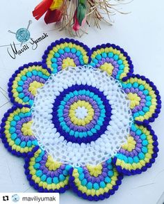 No photo description available. Crochet Mandala, Crochet Motif, Crochet Designs, Crochet Doilies, Crochet Flowers, Crochet Stitches, Baby Knitting Patterns, Crochet Potholder Patterns, Crochet Crafts