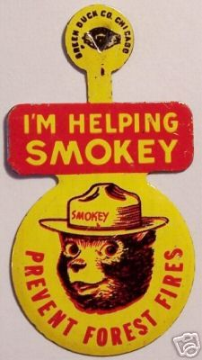 """1960's VINTAGE SMOKEY the BEAR tin tab PIN HELPER BADGE """"PREVENT FOREST FIRES"""""""