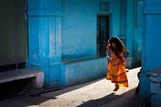 Marji Lang is a French Photographer, who loves to do travel and street photography.  http://www.marjilang.fr