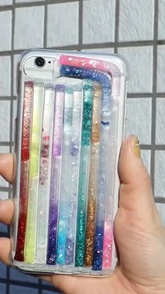 The post DIY Crafts Bling Bling iPhone Cases appeared first on Barbara Ritchie. 5 Minute Crafts Videos, Diy Crafts Videos, Diy Videos, Diy Crafts Hacks, Diy Home Crafts, Diy Projects, Tree Crafts, Make A Phone Case, Diy Straw