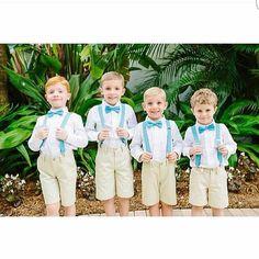 "Wedding Blogger & LifeStyle no Instagram: ""#Pajens: [] Fofuras via @borntobeabride ! Adoro pajens de gravata borboleta e suspensório!!! . #Cute #Fofo #Casamento #Kids #Noiva #Noivo #BlogMarinaNovaes"""