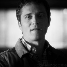 """And this face. 22 Reasons Kevin Ryan Is The Most Underrated Character On """"Castle"""" Seamus Dever, Black And White Gif, Elvis Impersonator, Castle Tv Shows, Greys Anatomy Cast, Ski Fashion, A Guy Who, Best Husband, Stana Katic"""