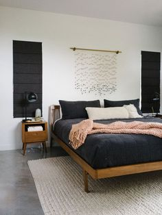 How to Design Your Bedroom for a Better Night& Sleep - The Effortless Chic furniture bedroom Bedroom Furniture Sets, Home Decor Bedroom, Home Furniture, Cheap Furniture, Furniture Layout, Modern Bedroom Sets, Furniture Market, Plywood Furniture, Beautiful Bedrooms