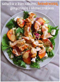 tęcza w słoiku: Sałatka z kurczakiem, brzoskwiniami, gorgonzolą i słonecznikiem - NIEZIEMSKA!