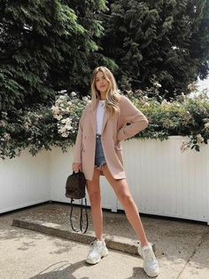 beautiful spring summer fashion style ideas for women page 44 Mode Outfits, Chic Outfits, Trendy Outfits, Fashion Outfits, Fasion, Fashion Ideas, Sneakers Fashion, Spring Summer Fashion, Spring Outfits