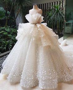Best 12 V Neck Sleeveless Stain Wedding Dresses,A Line Tulle Bridal Dresses – SkillOfKing. Ball Dresses, Evening Dresses, Flower Girl Dresses, Prom Dresses, Best Wedding Dresses, Bridal Dresses, Wedding Ball Gowns, 40s Wedding, Couture Wedding Gowns
